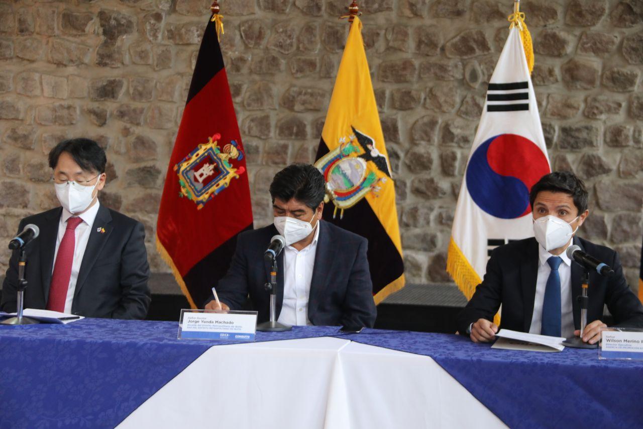 Quito avanza hacia la cuarta revolución industrial con la creación del Centro de Innovación Tecnológica