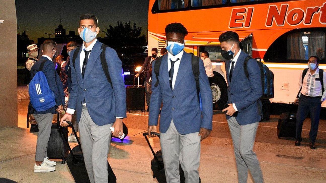 Emelec llegó a Santa Fe para el partido con Unión por la CONMEBOL Sudamericana