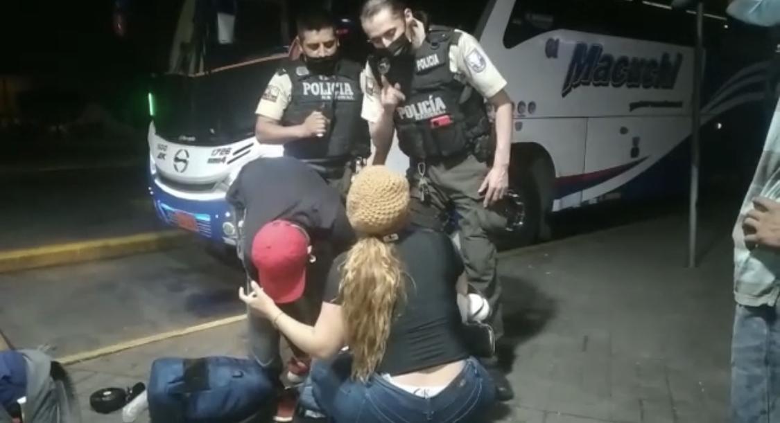 Quevedo: Dos personas detenidas con un Fusil y una pistola